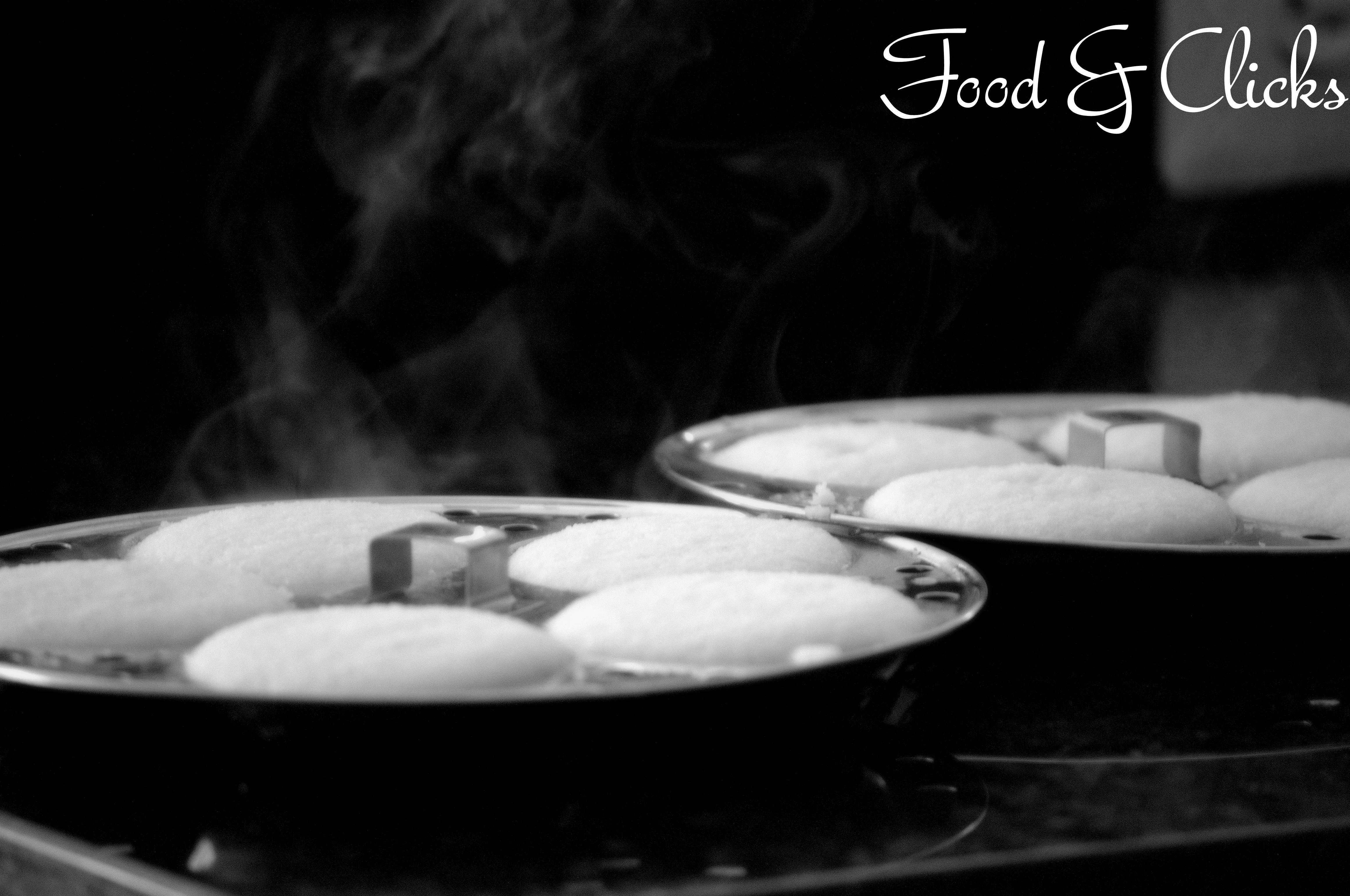 Sunday Breakfast  -  Hot Idli's...Yummmm!!!!